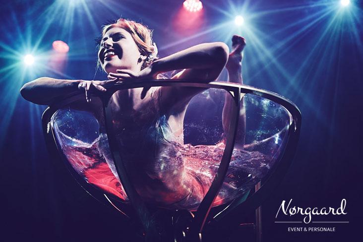 burlesqueshow_3